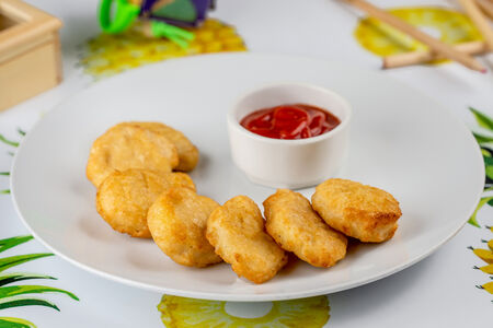 Наггетсы с кетчупом