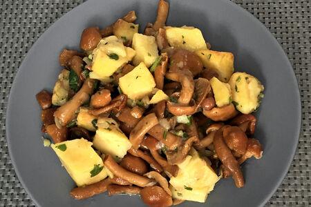 Картофель, жаренный с опятами