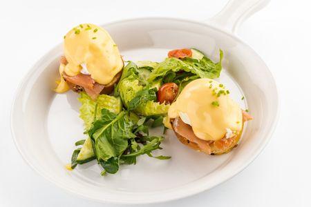 Яйца Бенедикт с лососем