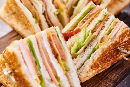 Двойной клаб сэндвич