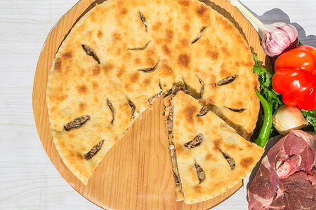 Осетинский пирог с бараниной (1200 г)