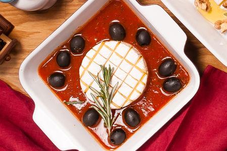 Сыр Бри в томатном соусе