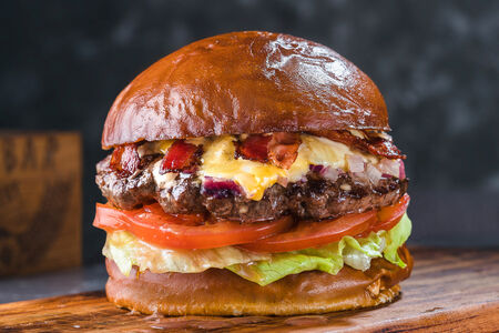 Бургер Гротт с сыром дорблю