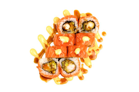 Ролл с лососем, креветкой и соусом никкей