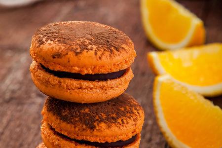 Макарон с шоколадом и апельсином