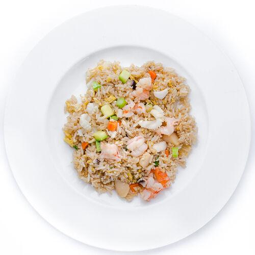 Рис с морепродуктами на воке