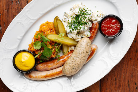 Тарелка сосисок Бавария