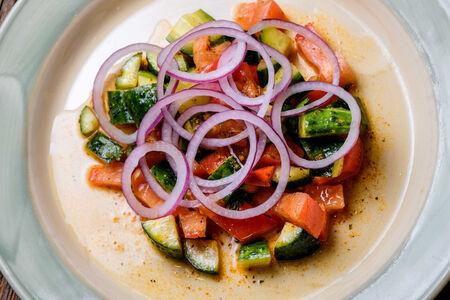 Салат овощной с грузинским акцентом