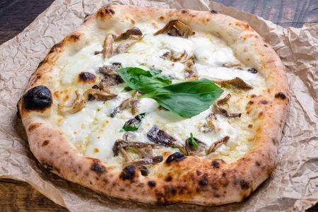 Пицца Наполи Фунги с трюфельным маслом