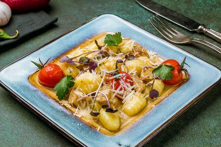 Картофельные ньоки с белыми грибами