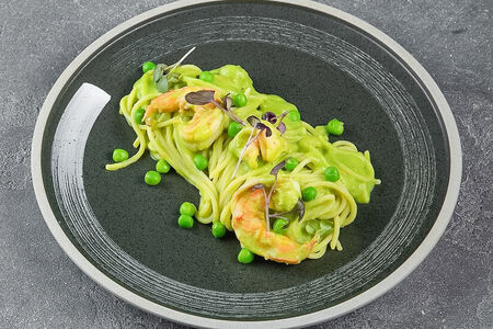 Паста с зеленым горошком и креветками