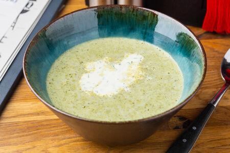 Крем-суп со шпинатом и руколой