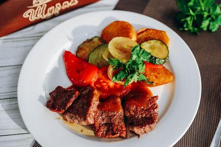 Садж с телятиной и овощами