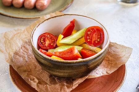 Летний овощной салатик