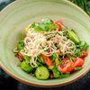 Фото к позиции меню Салат овощной с сыром сулугуни