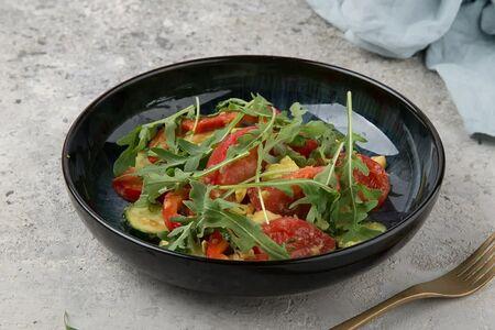 Вегетарианский салат со сладким перцем