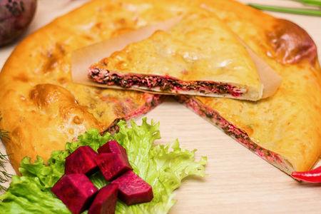 Осетинский пирог со свекольными листьями и сыром