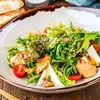 Фото к позиции меню Теплый салат с лососем