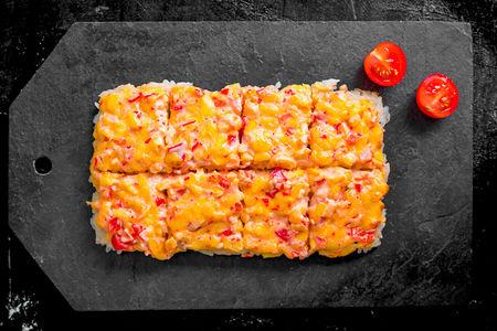 Пицца суси с лососем