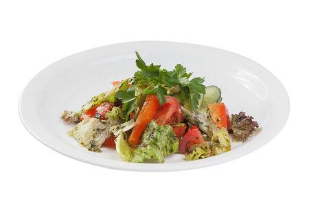 Свежие овощи с соусом Песто