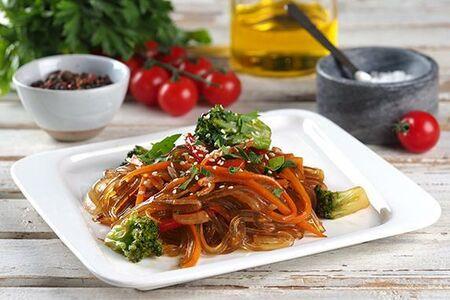 Лапша острая рисовая с овощами