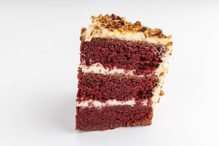 Порция торта Красный бархат