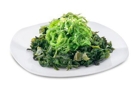 Чука салат с ореховым соусом