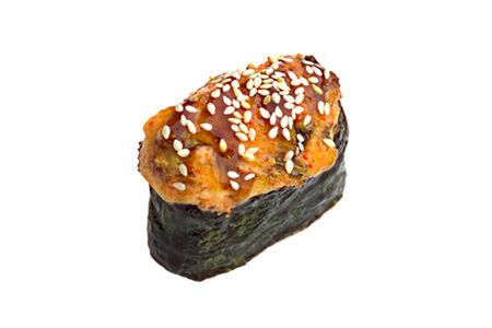 Суши Нигири запечённые в сырном соусе лосось