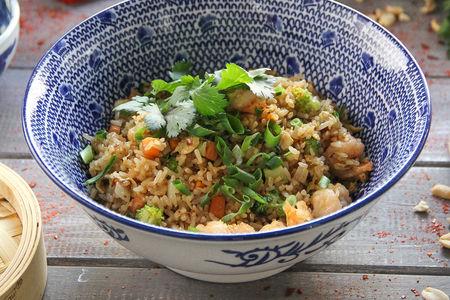 Жареный рис с тигровой креветкой