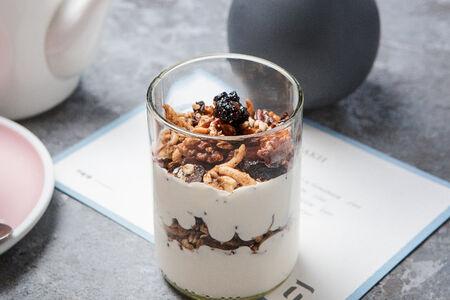 Гранола с домашним йогуртом