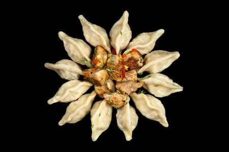 Пельмени ручной лепки ЧикенПели с цыпленком