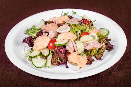 Итальянский салат с тунцом