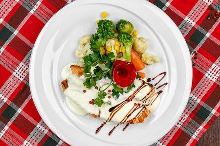Филе лосося под сливочным соусом