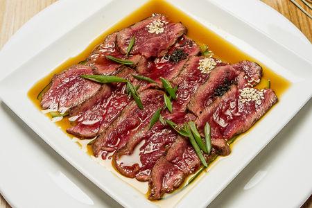 Татаки из говядины в азиатском стиле