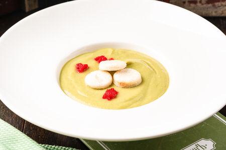 Сливочный суп-пюре из брокколи