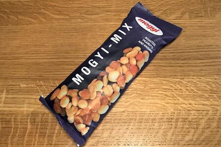 Mogyi mix Смесь сухофруктов с орехами