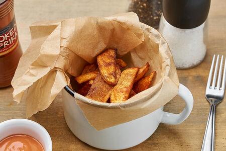 Картофель Айдахо с паприкой и соусом