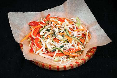 Салат азиатский с крабом