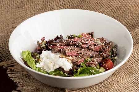 Салат с мраморной телятиной