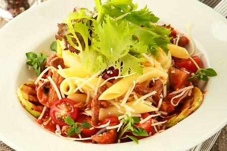 Паста Пенне с говядиной в томатном соусе