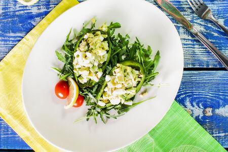 Лёгкий салат с авокадо