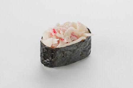 Суши Гункана нигири со снежным крабом