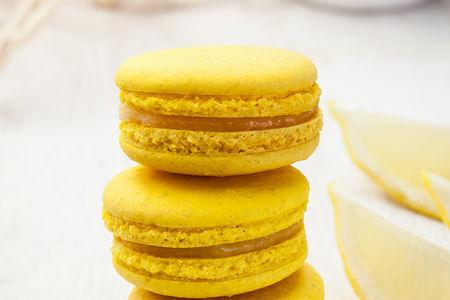 Макарон лимонный