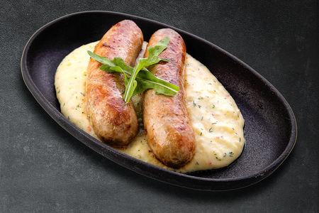Фирменные колбаски из говядины со свининой с добавлением орехов кешью