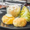 Фото к позиции меню Крабовые котлеты с легким имбирным муссом и салатом романо, обожженным на гриле