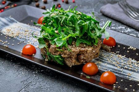 Салат с говядиной и вешенками