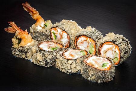 Ролл темпура с лососем и креветкой без риса