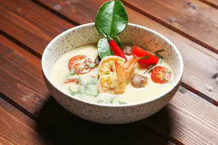 Том Кха с морепродуктами