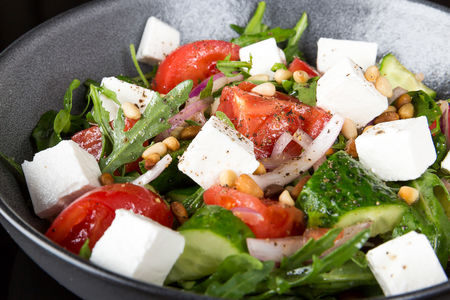 Салат Огурцы и помидоры с брынзой, красным луком и ароматным маслом