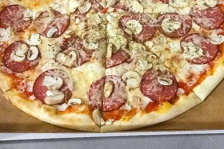 Пицца Муравей и Оса